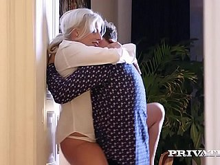 MILF takes anal therapy