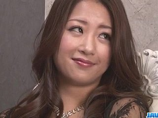 Satomi Suzuki feels not susceptible a handful of cock cracking say no to vag